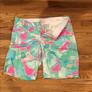Lilly Pulitzer like new Bermuda shorts size 6